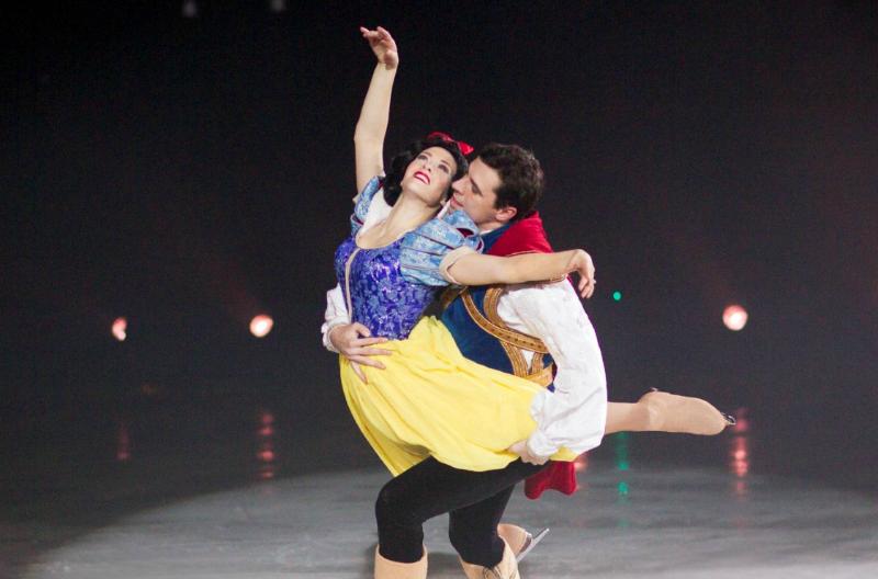 Disney On Ice Treasure Trove Snow White AND Prince