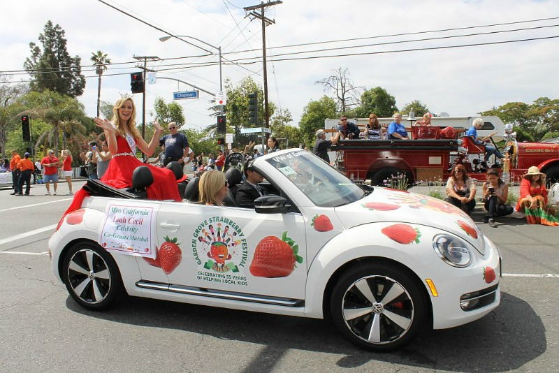 Miss-CA-in-Garden Grove Strawberry Festival parade