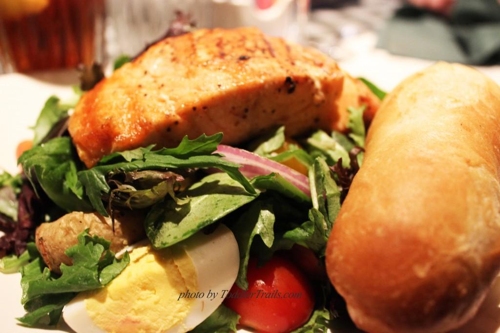 Grilled Salmon Salade Nicoise, Mimi's Cafe