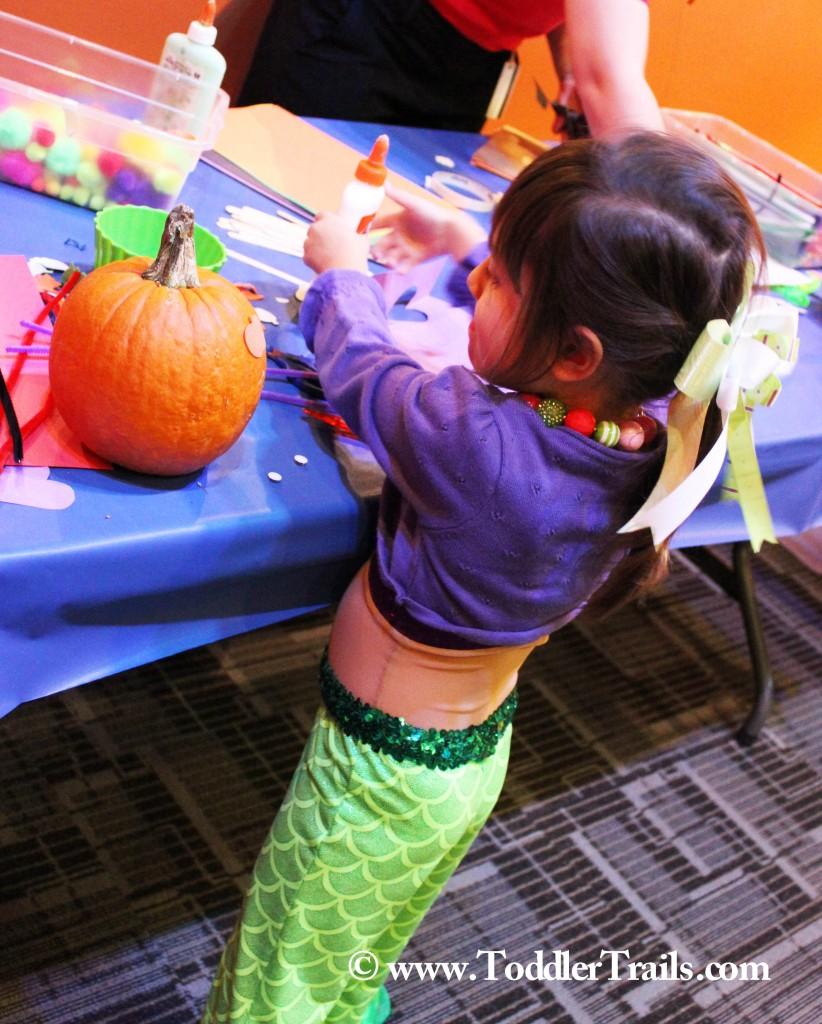 DSC Spooky Science Decorate Pumpkins