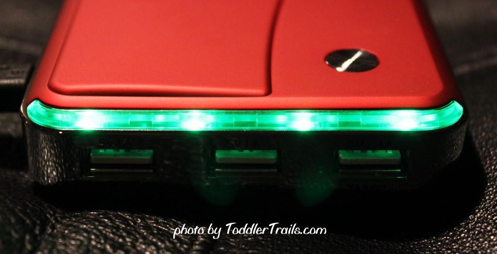 Lenmar Helix External Battery Pack Lights