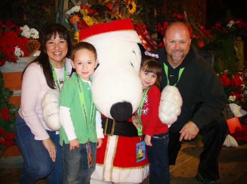 Visiting Santa Snoopy at Knott's Merry Farm
