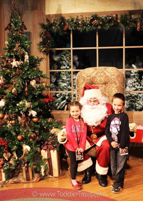 Merry-Farm-Santa
