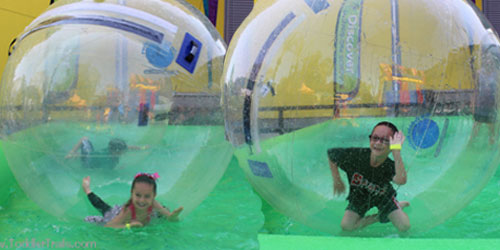 Giant Bubbles, water spheres, discovery science center, discovery cube orange county,
