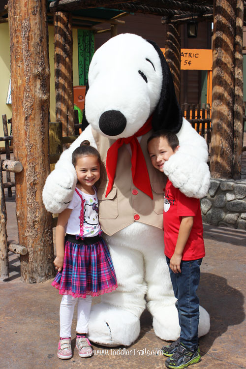 Knott's Berry Farm, Photos with Snoopy, Snoopy, Camp Snoopy