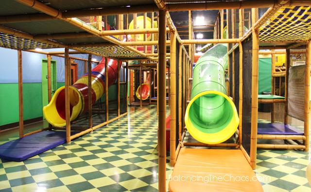 Billy Beez Anaheim 17 slides, indoor playground anaheim BalancingTheChaos.com