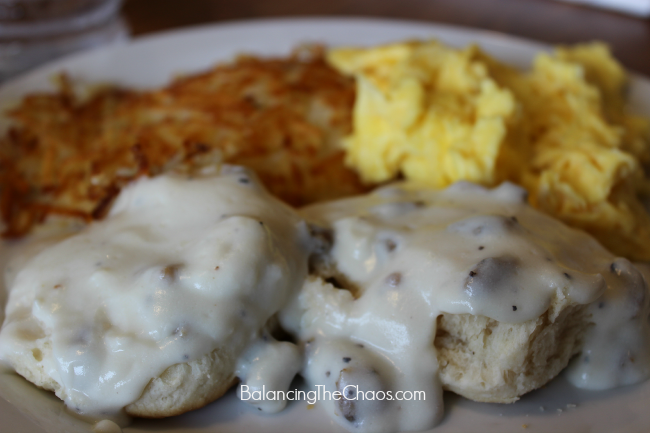 Dennys, Dennys Partnership with Knotts, Biscuits and gravy