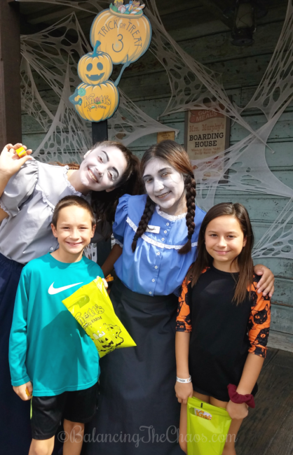 Trick or Treating at Knotts Spooky Farm