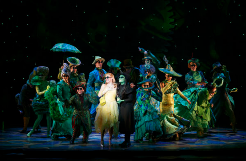 The-National-Touring-Company-of-WICKED