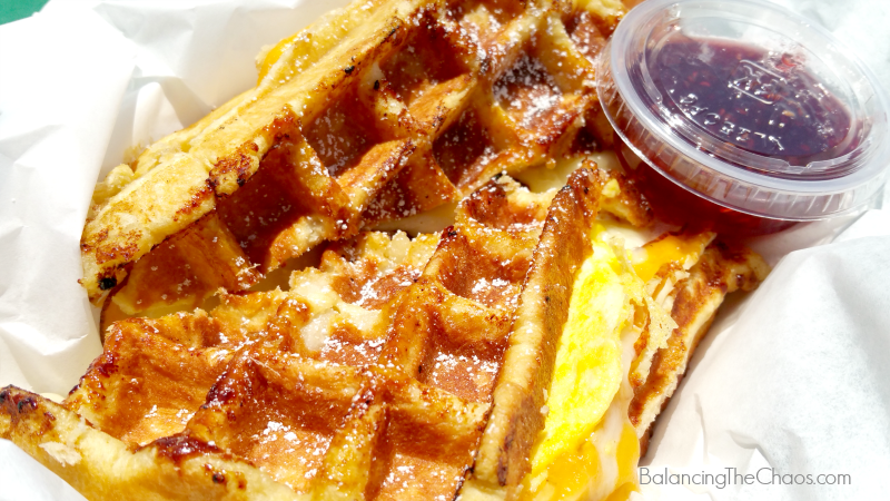 food-truck-fare-waffleicious-full-monte