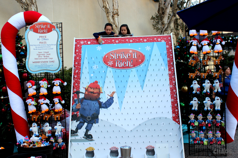 SeaWorld Rudolphs Christmas Town Strike it Rich SeaWorld's Christmas Celebration