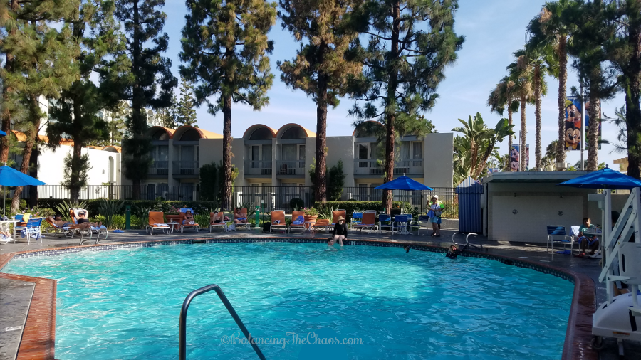 https://balancingthechaos.com/wp-content/uploads/2018/08/Garden-Pool-at-Howard-Johnson-Anaheim-Hotel-and-Water-Playground.png
