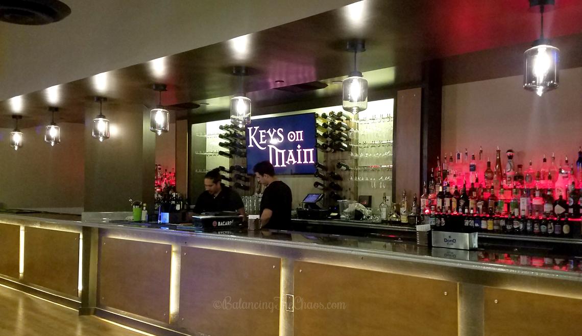 Costa Mesa Night Club, piano bar