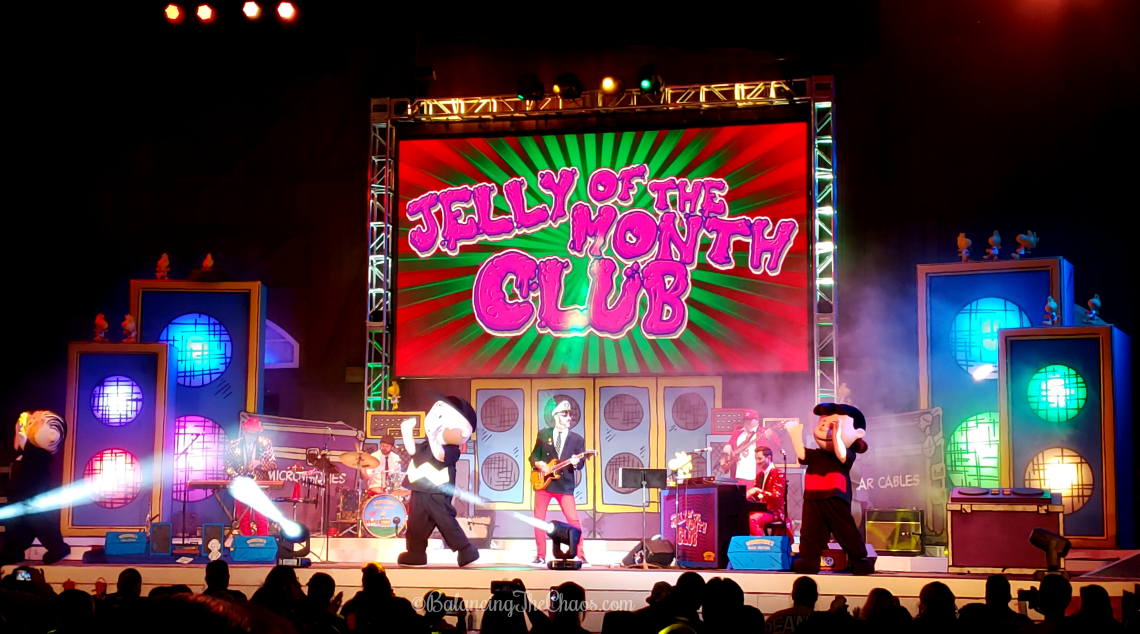 Woodstocks Musical Festival featuring Jelly of the Month Club at Knotts Berry Farm Peanuts Celebration