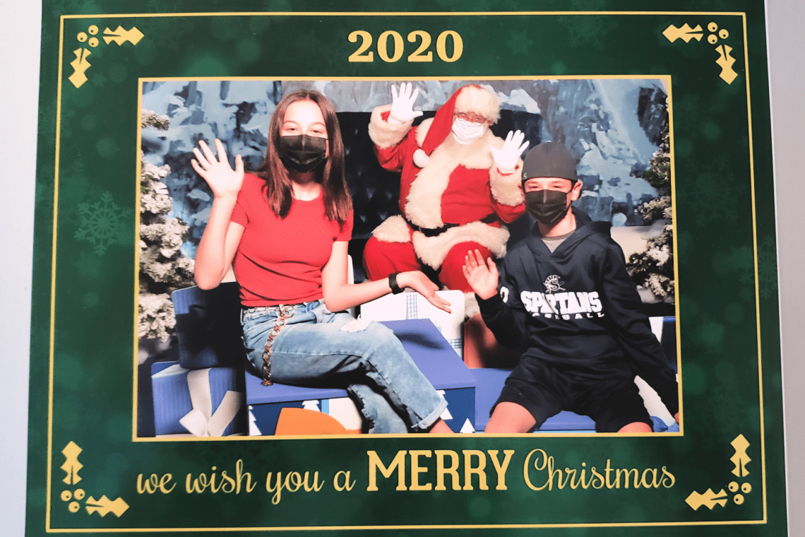 Fun photos with Santa from Main Place Mall 2020