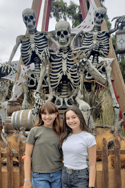 Great Spooky Picture Opportunities at Knott's Spooky Farm